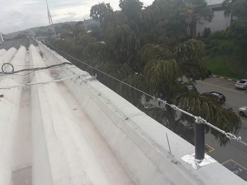 Linha de vida móvel para telhados