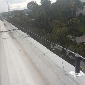 Sistema de linha de vida para telhado